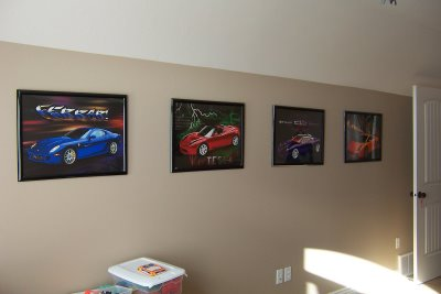 Creative ways to display art design dazzle for Cool posters for your room
