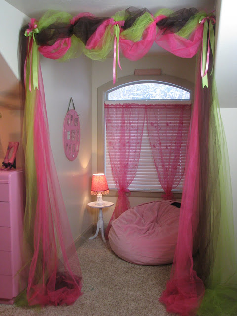 Kristalyn Naylor Decorated Her 9 Year Old Daughters Room As A Surprise Birthday Present Makeover I Tried To Keep Costs Down By Being Thrifty
