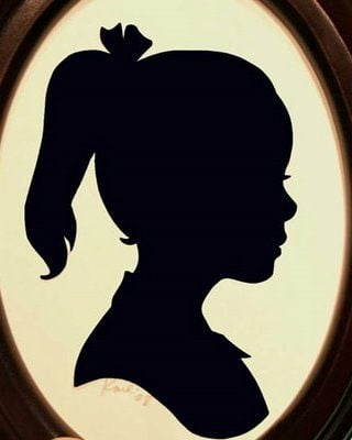 DIY project – How to make a silhouette of your child