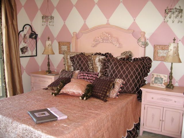Shabby Chic Girls Room Parisian Pink And Chocolate Design Dazzle