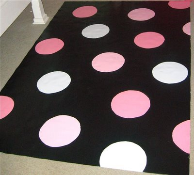 Paint a polka dot rug - Design Dazzle