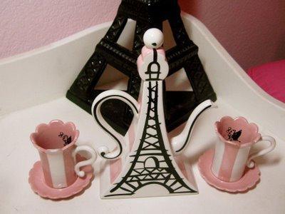 poodles paris girls bedroom - Design Dazzle