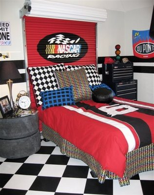 1_NASCAR_boys_room_wilshirehomes8-16large1