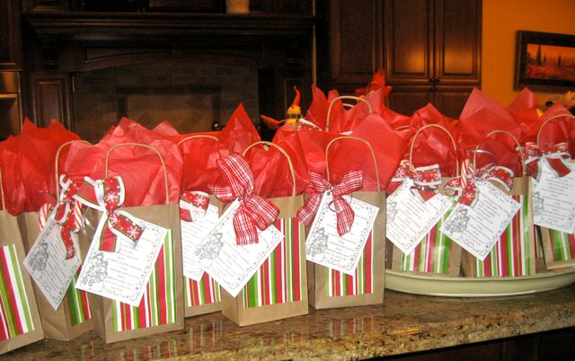 Snowman Soup is a great gift {HINT - It is really hot cocoa mix!}  featured on Design Dazzle