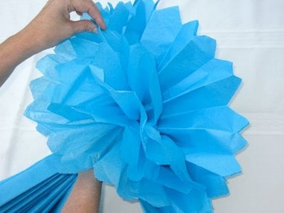 Step-by-step instructions on how to make tissue flowers - Design Dazzle