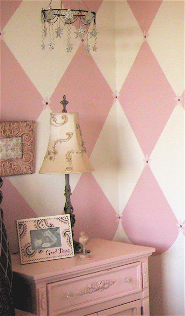 shabby chic girls room parisian pink and chocolate design dazzle. Black Bedroom Furniture Sets. Home Design Ideas