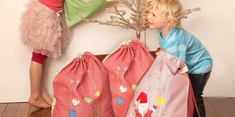 Cocoon_Christmas_Bags_sq