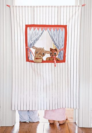 It's a Doorway Puppet Theater