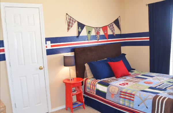 sports themed boy's room - design dazzle