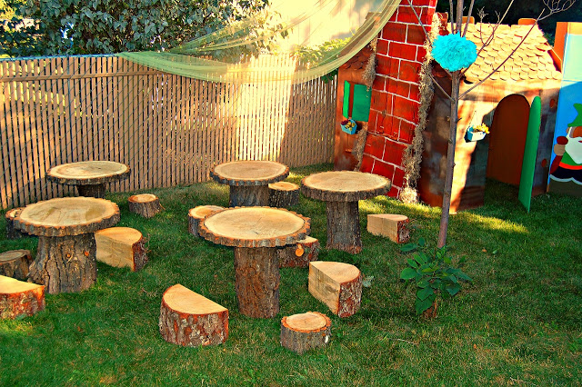 Enchanted Forest Birthday Party that is beyond magical! These table blow my mind!