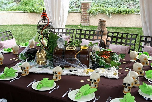 Indiana Jones Birthday Party by Donna of Party Wishes! The best birthday adventure for any little archeologist! Featured on Design Dazzle