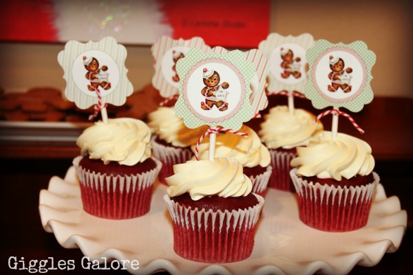 Christmas Cupcakes featured on Design Dazzle