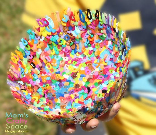 Fun Perler Bead Bowls that are perfect for a kids craft that helps beat the summer time boredom blues!