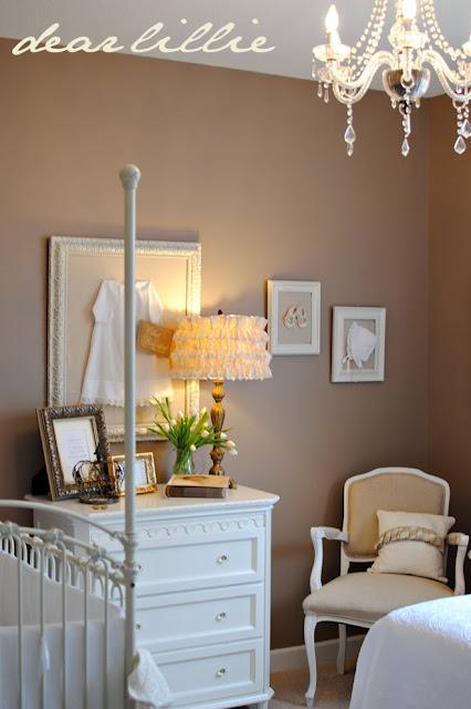 Nursery room beige : White and tan nursery