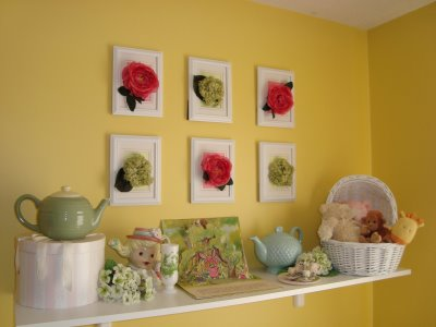 Hot Glue Silk Flower Heads In A Picture Frame To Create Stunning  Easy To Make Wall Art. Inexpensive Picture Frames Are Ideal For This  Project.