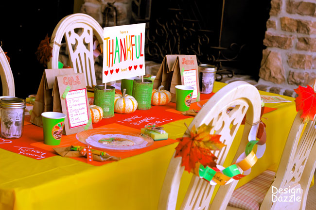 Thanksgiving table for kids: have a thankful heart free printables - Design Dazzle