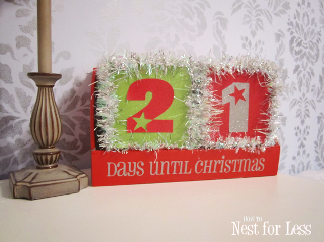 EASY DIY Christmas Tinsel Block Calendar featured on Designed Dazzle