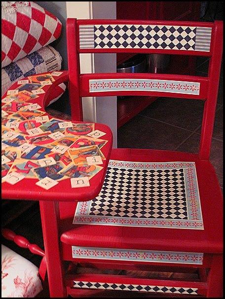 decoupaged_kids_furniture