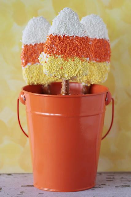 DIY Halloween Edibles, candy corn, rice krispie treats, pretzels, white chocolate, halloween