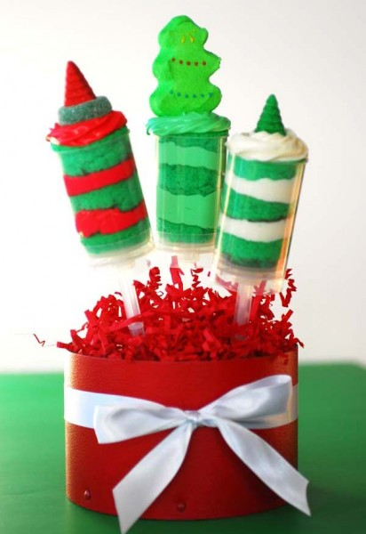 Festive DIY Christmas Push Up-Pops are so delicious and cute they will be the hit of the season! Featured on Design Dazzle