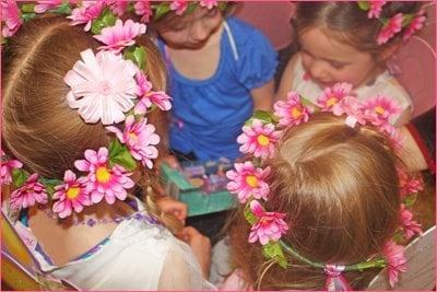 Gorgeous Fairy Flower Crowns! Easy DIY craft that will have all the little ones swooning!