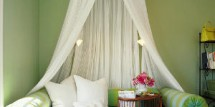 green-ceiling-headboard-m