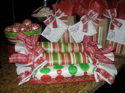 Make your own edible christmas gift design dazzle for Make your own christmas gift baskets
