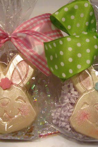 Make Your Own Edible Easter Bunny