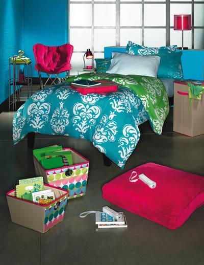 Creating A Colorful Dorm Room  Design Dazzle ~ 070323_Craft Ideas For College Dorm Room Decorating