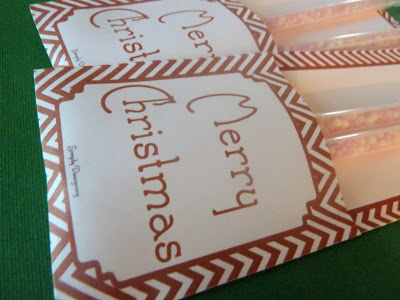 Free Printable Christmas goodie bag featured on Design Dazzle
