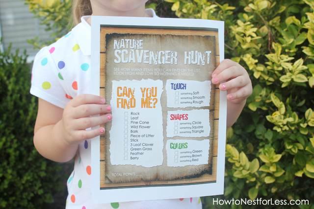 I love this idea for a nature scavenger hunt for littles! Learning and having fun! Free Printables Included!!