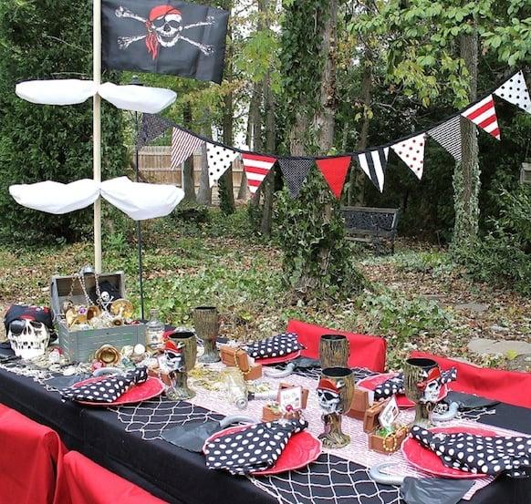 pirate party ideas design dazzle. Black Bedroom Furniture Sets. Home Design Ideas