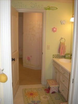 Too Cute Jack And Jill Bathroom Design Dazzle