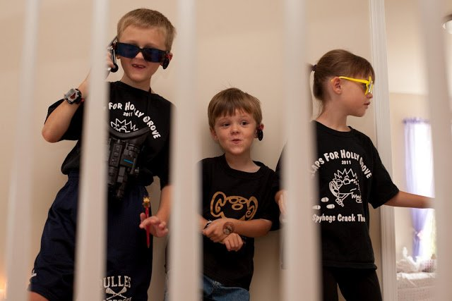 Secret Agent Scavenger Hunt for kids that will have your kids smiling all day!!