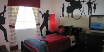 teen-boy-rock-star-bedroom3