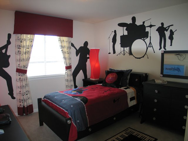 Teen Boys Rock-N-Roll Room - Design Dazzle