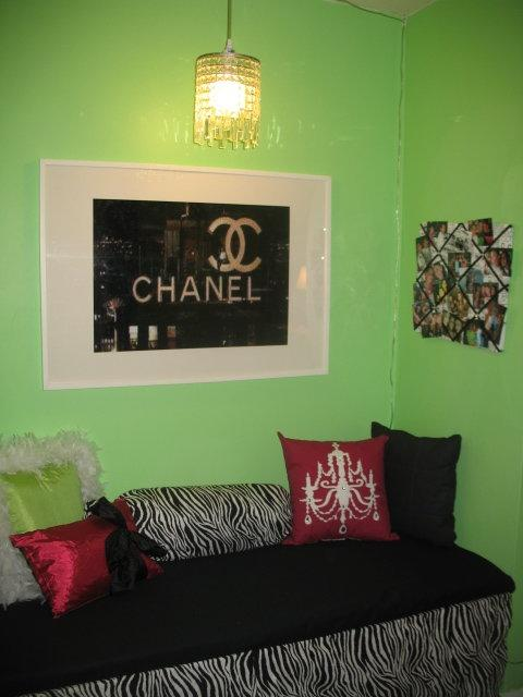 Green Teen Girls Room Design Dazzle