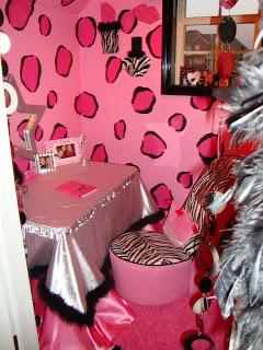 Fashionable Teen Hangout Lounge Design Dazzle