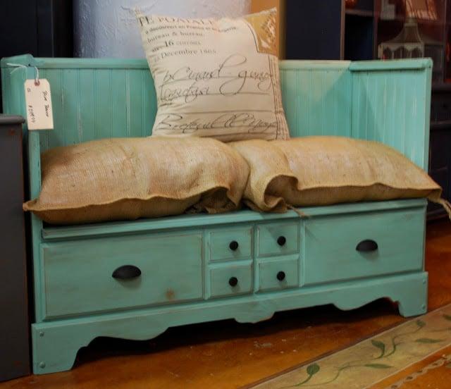 Greatest Tutorial: Repurposed Dresser To Bench! - Design Dazzle GB17