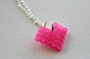 valentine's day crafts for kids - bead heart necklace