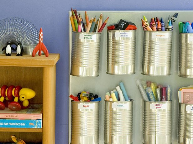 Wall Organization Ideas for Kids are perfect way to de-clutter and make your life more simple! Featured on Designdazzle.com