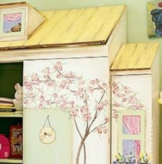Little Girl's Dollhouse Closet