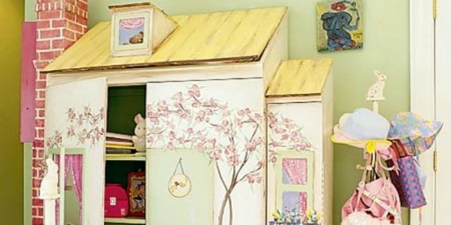 Girls Dollhouse Closet