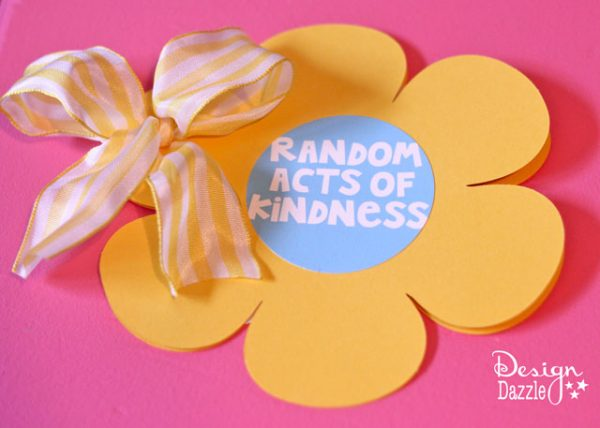 Random Acts of Kindness: Easy DIY Flower card! Spread the love by writing a sweet sentiment to someone you know. Always more kindness to go around!