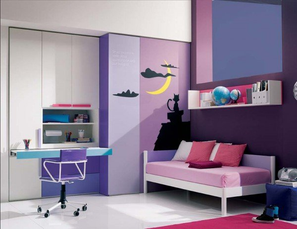 wall accessories for a teen girls bedroom