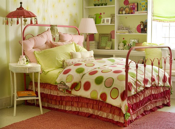 Tween Girls Polka Dot Room