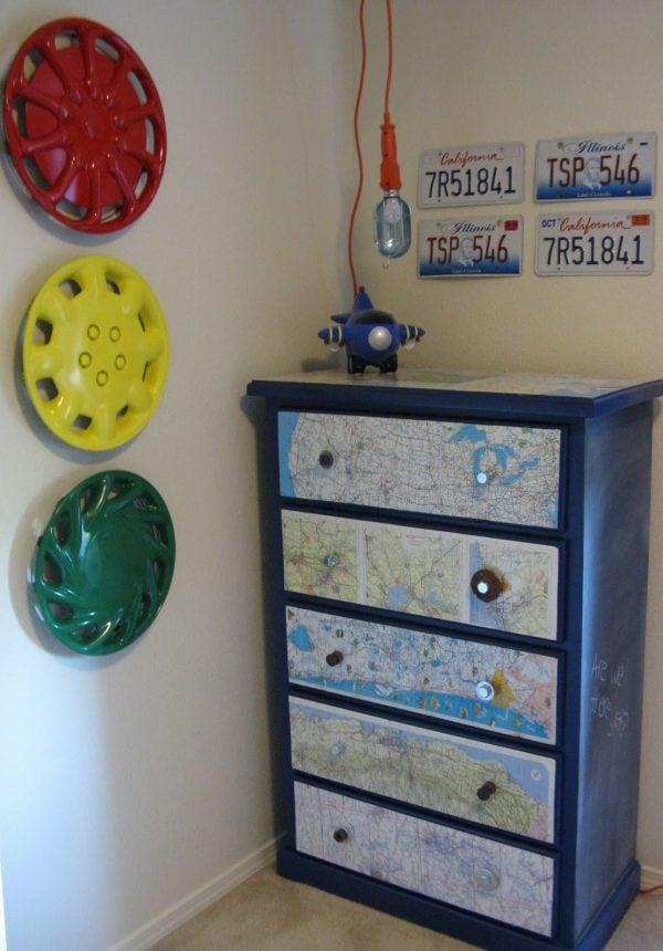 Diy map dresser boys room design dazzle for Diy boys bedroom ideas