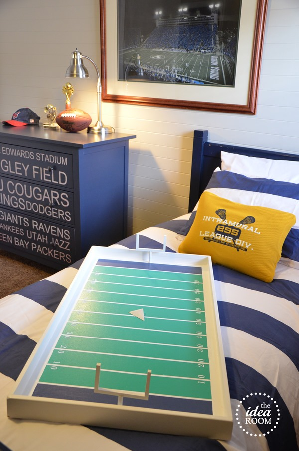 20+ Boys Football Room Ideas  Design Dazzle. Cheap Unfinished Kitchen Cabinets. Old Looking Kitchen Cabinets. Dove White Kitchen Cabinets. Cheap Kitchen Cabinets Toronto. Kitchen Cabinets Furniture. Kitchen Cabinets In Edmonton. Kitchen Cabinets Islands. Pictures Of Antiqued Kitchen Cabinets