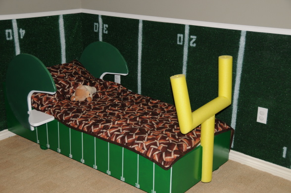 Merveilleux Toddler Football Bed   Design Dazzle