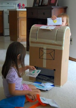 cardboard mailbox to make for kids-- Design Dazzle